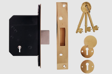 Deadlock Installation by Wood Green master locksmith